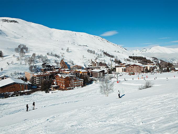 Image france isere les  alpes hotel club mmv le panorama vue ensemble